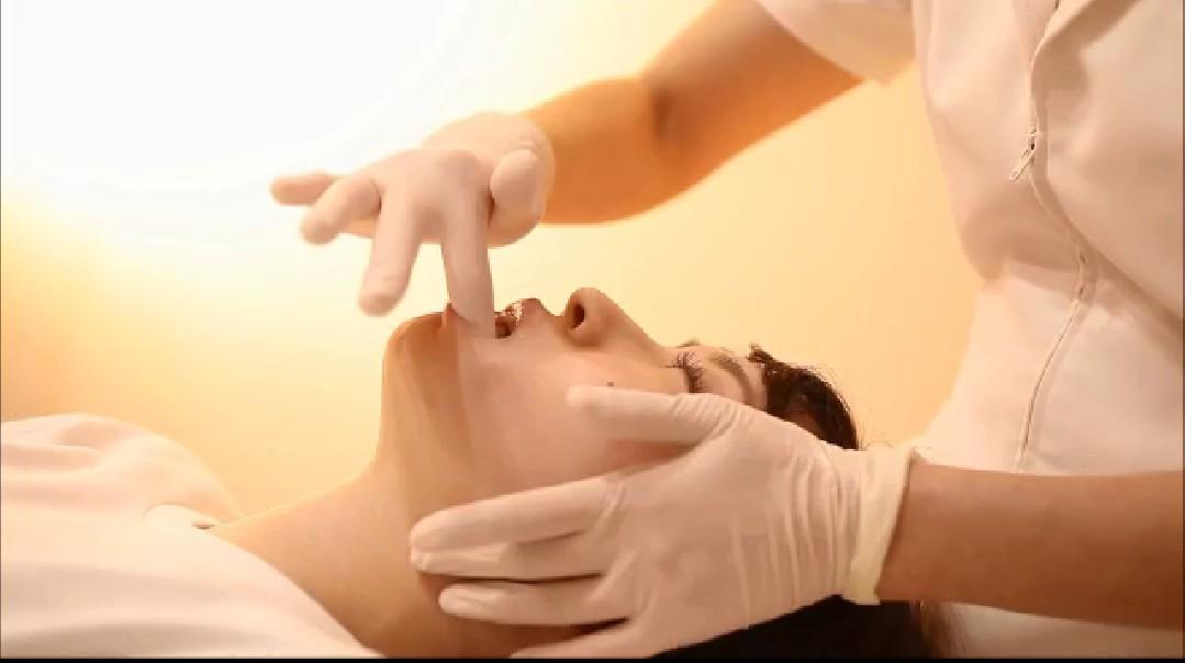 オーラルエステ(プラチナコース)35歳  女性  歯科衛生士